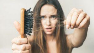 أفضل خمس علاجات منزلية لعلاج تساقط الشعر