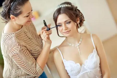 افكار مكياج مميزة لتزيين العروس